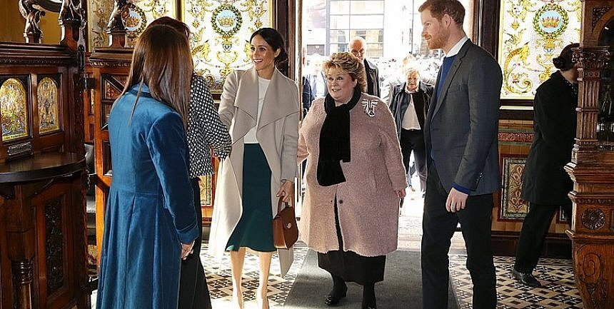 Prince_Harry_and_Ms._Markle_visit Crown Bar Belfast by Northern ireland Gov Office