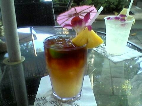 Adult beverage Beach Bar Moana Surfrider Waikiki (photo by Sheila Scarborough)