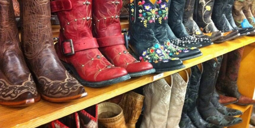 Boot shopping on South Congress Ave SoCo in Austin (courtesy Heather Cowper at Flickr CC)