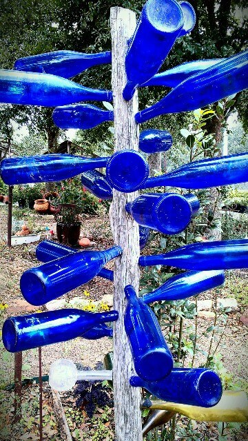 Bottle tree at the Garden Cafe in Hempstead TX (photo by Sheila Scarborough)