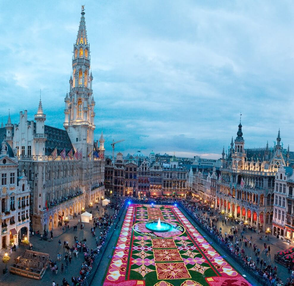 Carpet of Flowers in Brussels 2010 (courtesy flowercarpet dot be)