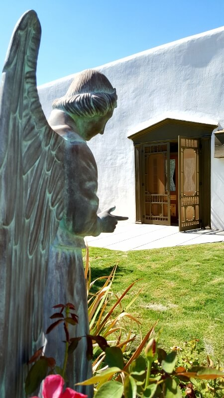 Center courtyard statue Magoffin Home in El Paso TX (photo by Sheila Scarborough)