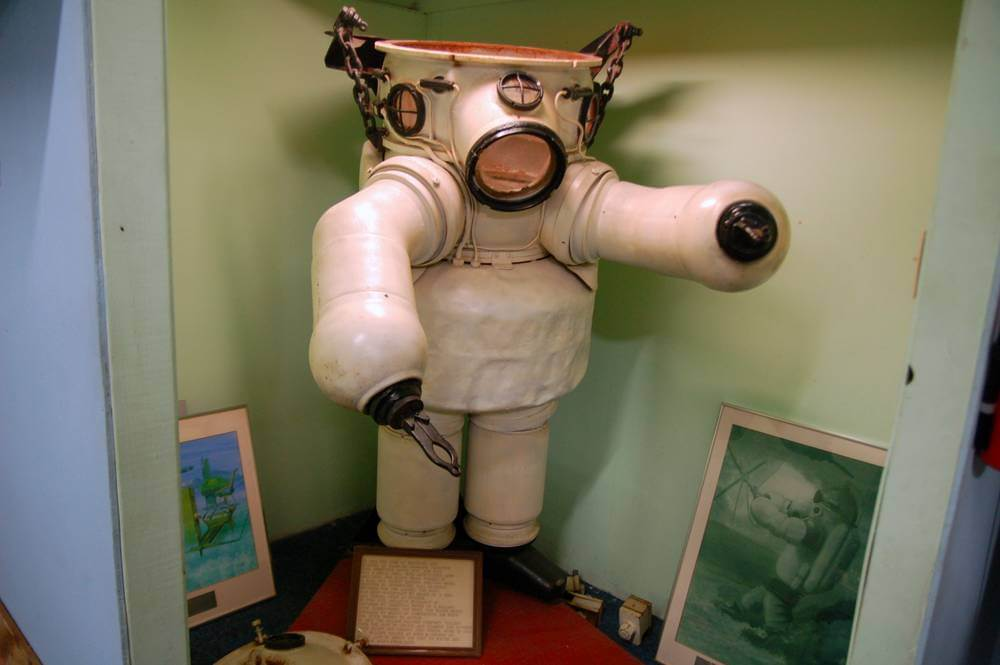 A suite built for deep pressures. Seen at the Man in the Sea Museum, Florida