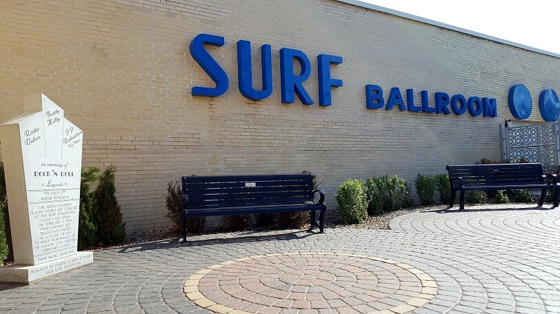 Exterior Surf Ballroom Clear Lake Iowa (photo by Sheila Scarborough)