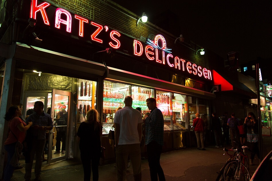 Exterior of Katz's Delicatessen New York at night (courtesy Sean Davis on Flickr Creative Commons)