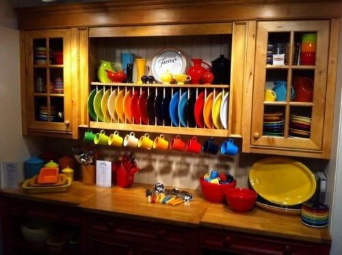 The Fiesta line on display at Homer Laughlin trade show NYC 2011 (courtesy Homer Laughlin China on Facebook)
