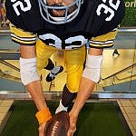 Full size of Franco Harris Pittsburgh Immaculate Reception statue at airport (photo by Sheila Scarborough)