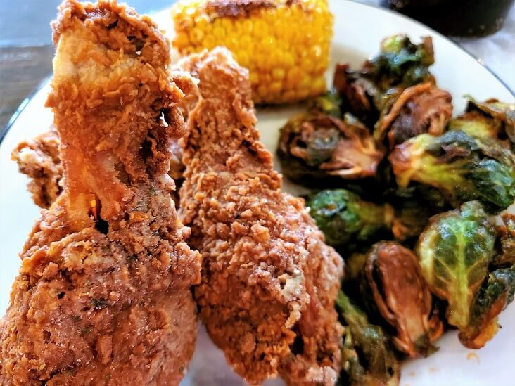 Fried chicken Smithville TX the search ends at Your Moms restaurant (photo by Sheila Scarborough)