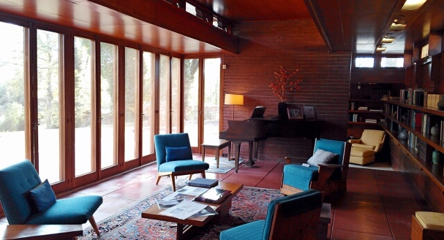 Front living room Frank Lloyd Wright Rosenbaum House Florence Alabama (photo by Sheila Scarborough)
