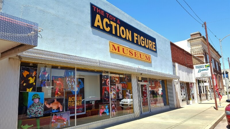 Front of the Toy & Action Figure Museum Pauls Valley Oklahoma (photo by Sheila Scarborough)