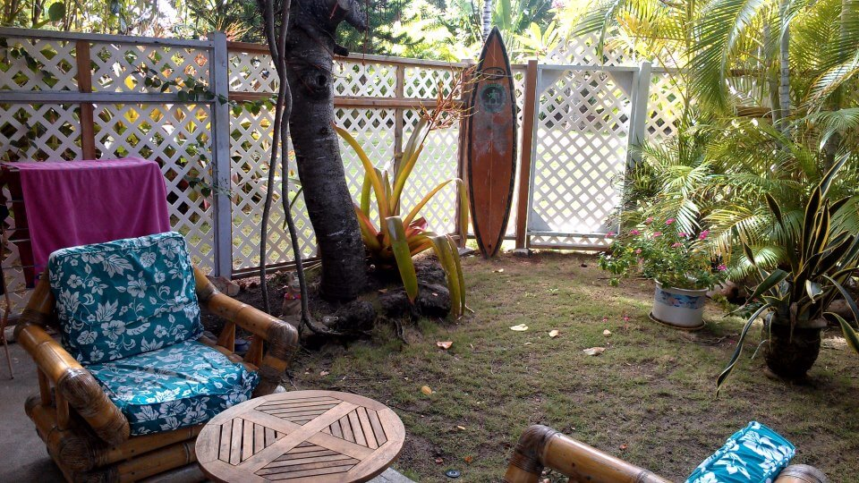 Garden lanai at the Lanikai Studios in Kailua, Oahu, Hawaii (photo by Sheila Scarborough)