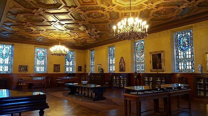 Hankamer Treasure Room at the Browning Library Waco TX (photo by Sheila Scarborough)