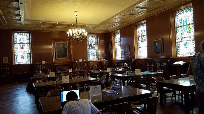 Jones Research Hall in the Armstrong Browning Library Waco TX (photo by Sheila Scarborough)