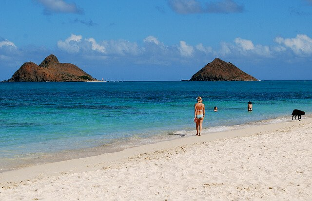 Lanikai Beach, Kailua, Oahu, Hawaii. Yes, it actually looks like this. (courtesy Karen Chan 16 on Flickr CC)