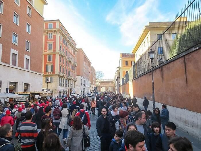 Line for the Vatican City Museum
