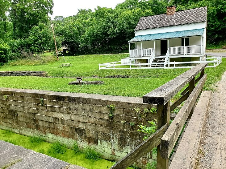 Lockkeeper house at Lock 29 on the C&O Canal at Lander MD (photo by Sheila Scarborough)