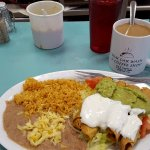 Unique local places to eat in Texas - lunchtime flautas at H&H Car Wash and Coffee Shop in El Paso TX (photo by Sheila Scarborough)