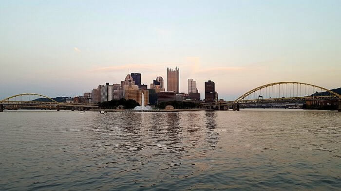 Pittsburgh river cruise money shot Point State Park from the water Gateway Clipper cruise (photo by Sheila Scarborough)