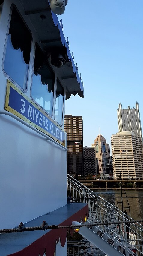 Pittsburgh from the water Gateway Clipper cruise 3 Rivers Queen (photo by Sheila Scarborough)