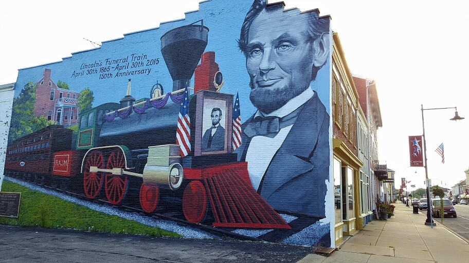 President Lincoln funeral train mural Cambridge City Indiana on Historic National Road (photo by Sheila Scarborough)
