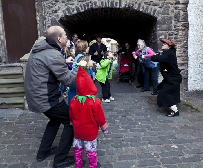 Macastory's Old Edinburgh for Families Tour during the Scottish International Storytelling Festival in Edinburgh
