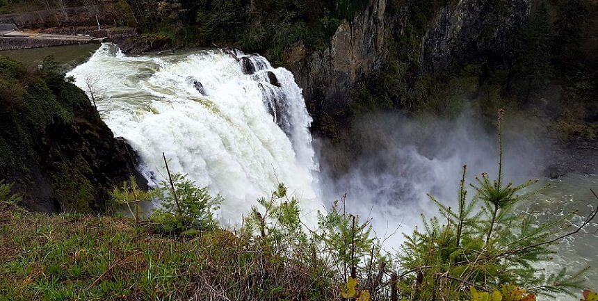 A Seattle day trip Snoqualmie Falls (photo by Sheila Scarborough)