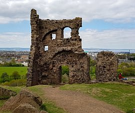 St Anthony's Chapel in Holyrood (Scenic Locations in Edinburgh)