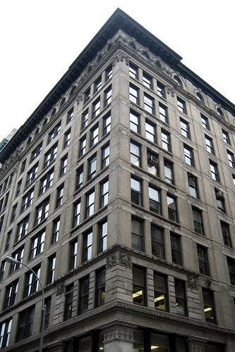 The Brown Building NYC former home of Triangle Shirtwaist Factory (courtesy wallyg at Flickr CC)