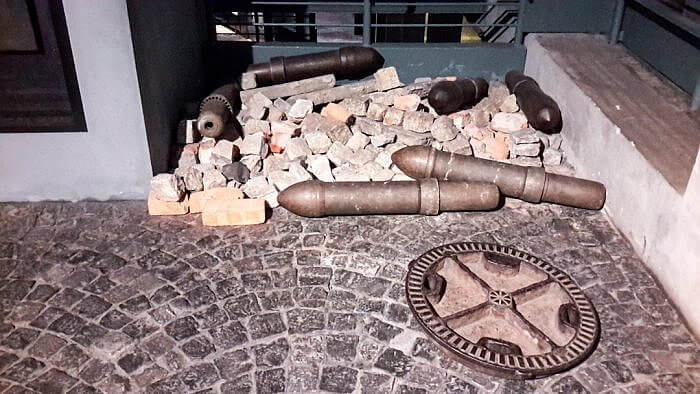 Warsaw Uprising Museum Artillery and Rubble