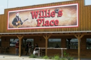 Willie's Place at Carl's Corner entrance (photo by Sheila Scarborough)
