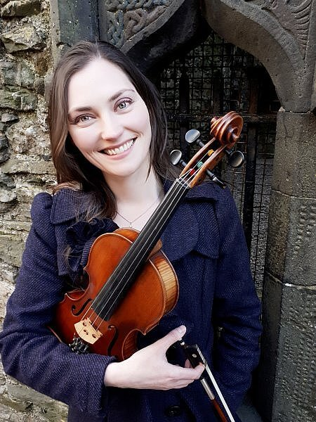 Zoe Conway Ireland fiddle player Temple Bar Trad