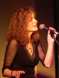 Irish American musician Cathie Ryan, copyright Kerry Dexter