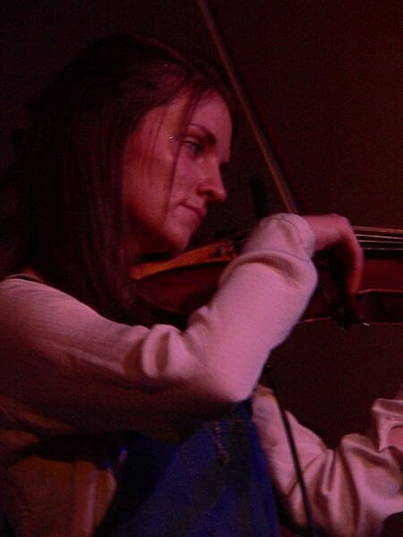 hannah fisher fiddle scotland by kerry dexter