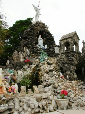 Grotto in Hostyn, Texas, modeled after Lourdes (Scarborough photo)