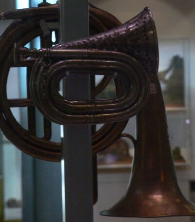 HUnterian Museum Glasgow Scotland music