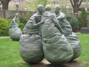 "Hirshhorn Modern Art Museum in Washington, D.C.: ""Last Conversation Piece,"" sculpture by Juan Muñoz"