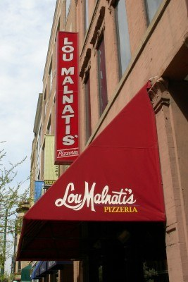 Lou Malnati's Pizzeria, Wells and Hubbard Streets, Chicago Illinois (Scarborough photo)