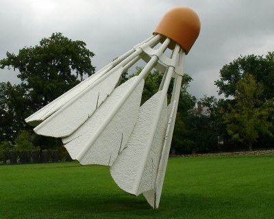 Giant badminton shuttlecock, Nelson-Atkins Museum of Art, Kansas City (photo by Sheila Scarborough)