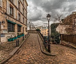 paris path travel inspiration