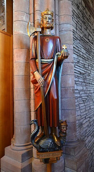 saint olaf of norway statue orkney scotland